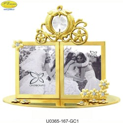 DOUBLE FRAME WITH GOLDEN WEDDING CARRIAGE WITH APPLICATIONS SWAROVSKI CRYSTAL - Cm. 14 x 8